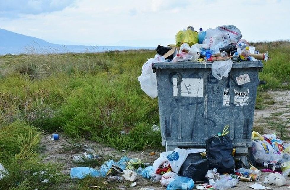 Ilustrační obrázek pro článek Ukladanie odpadu mimo miest k tomu určených