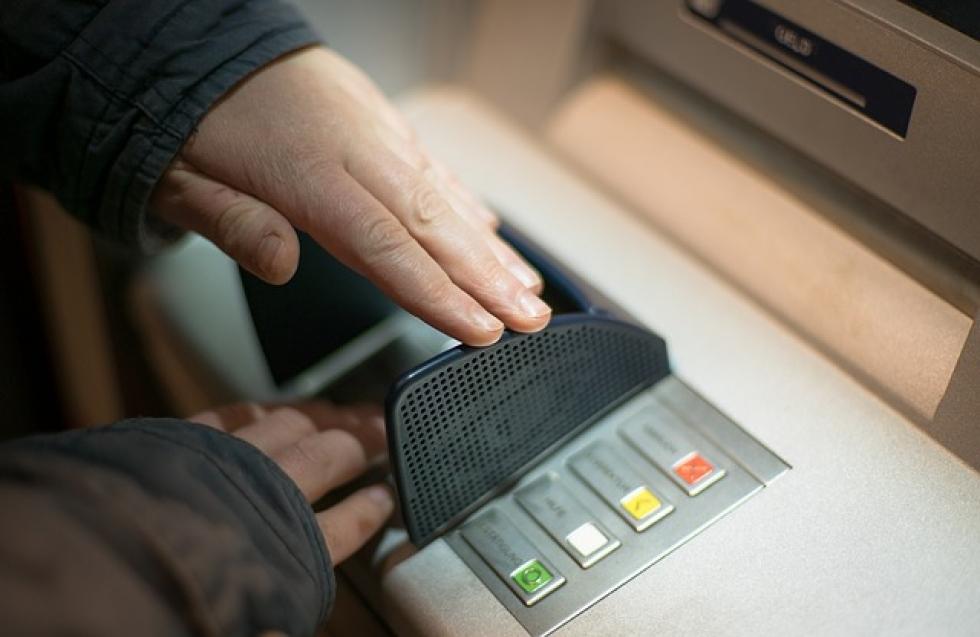 Ilustrační obrázek pro článek Poplatky za výběr z bankomatu nejspíš zdraží