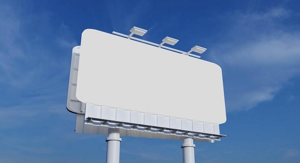 Ilustrační obrázek pro článek V plochách izolační zeleně podél komunikací nelze umísťovat  reklamní billboardy