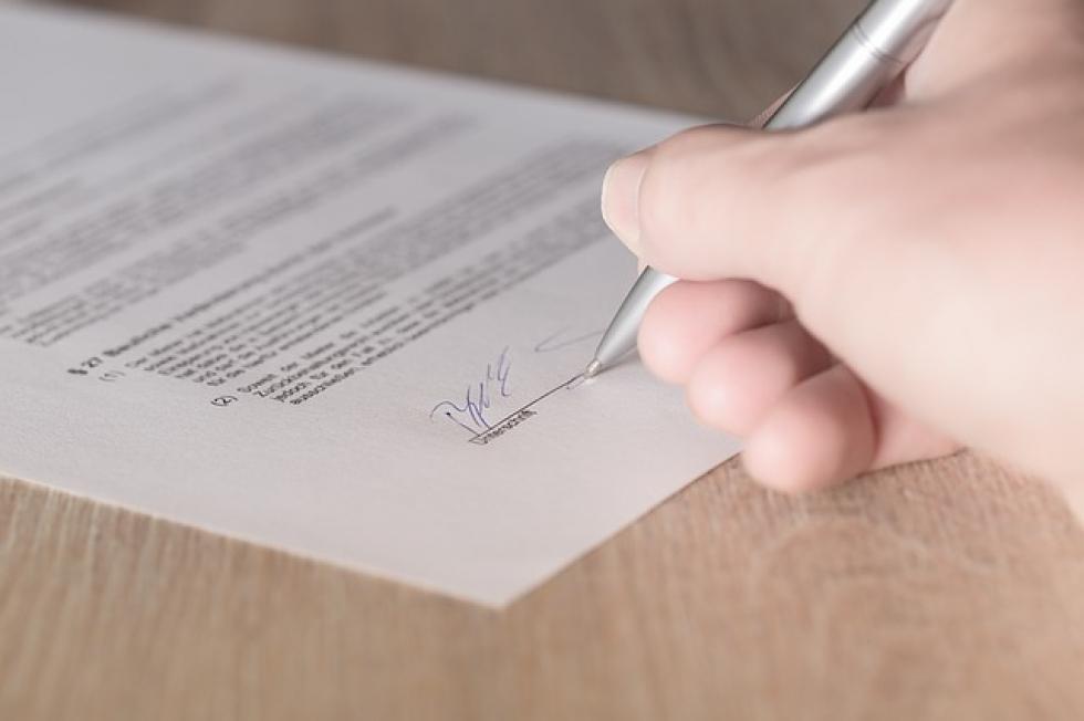 Ilustrační obrázek pro článek Myslíte si, že je chytré vytvářet smlouvy bez právníka?